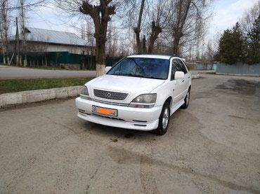 Toyota Harrier 2000 в Кербен