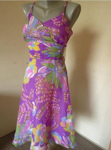 Duga leprsava haljina - Kraljevo: Cvetna haljina SLagana, leprsava, postavljena haljina, ne guzva se, sa