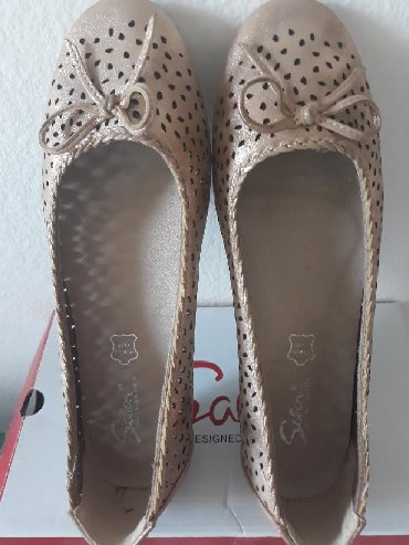 Prelepe NOVE Safran sandale cipelice velicina 37. Cerkica je par puta