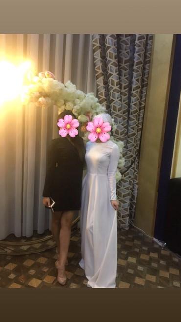длинное платье карандаш в Кыргызстан: Продаю Длинное белое платье!!!