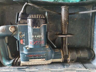 Original sa koferom bosch hilti hammer veliki u odličnom stanju,cena