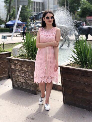 Кружевное платье  Размер стандарт  В двух цветах розовом и голубом