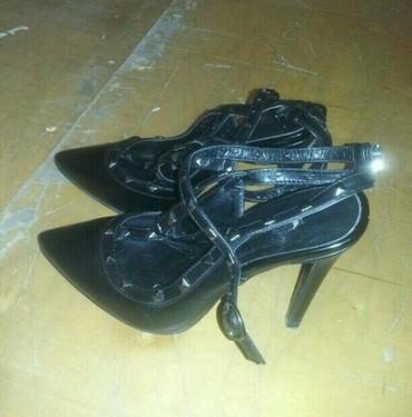 Bakı şəhərində Valentina firmasinin ayaqqabisi.brend firmadir.36 37