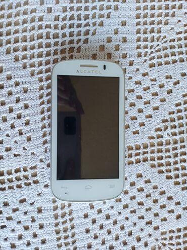 2483 oglasa: Prodajem polovan Alcatel mobilni telefon u odličnom stanju, perfektno