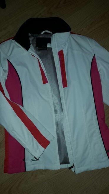 Zimska jakna... Bez ijednog ostecenja... Malo nosena - Kragujevac - slika 2