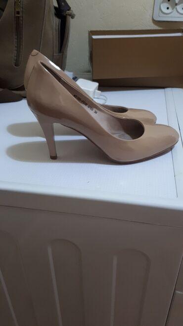 Продаю женские туфли 37 размера. 1500 сом