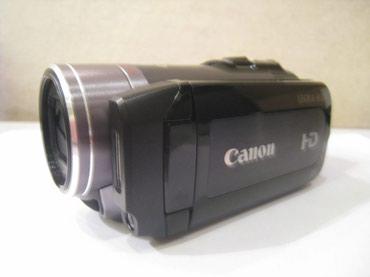 Bakı şəhərində Продаю видеокамеру CANON LEGRIA HF200 , б/у в