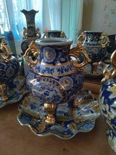 Cox gozel dekor vaza.El iwlemesi.Altinin qabi ile birge 50 man