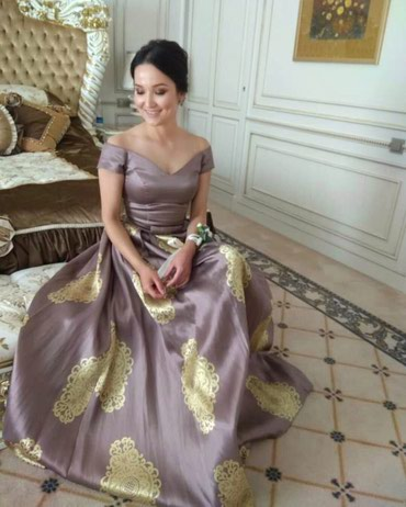платье халат в горошек в Кыргызстан: Вечернее платье ! Размер :S. Прокат 1000 сом, продажа 2500 сом