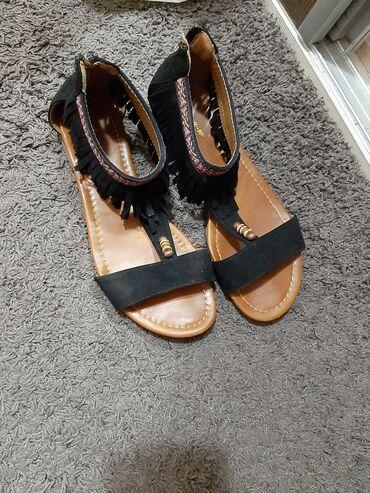 Ženska patike i atletske cipele | Kragujevac: Sandale 40 broj 1000