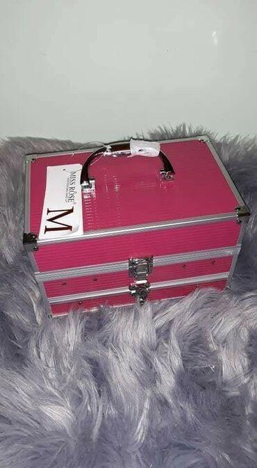 ❤Miss Rose Veliki kofer sa sminkom❤*94 senki *12 ruzeva*12 kremastih