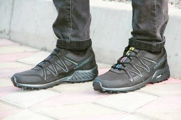 Кроссовки на осеньРазмеры: 40, 41, 42, 43, 44.Цена: 1500Курьер