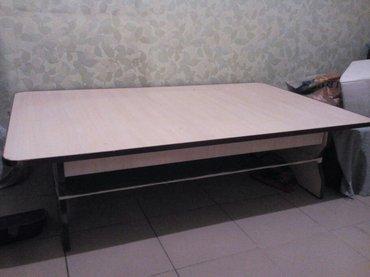 Продаю стол длина 1 метр 30 см  ширина 80см в Лебединовка