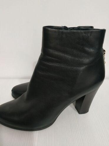 Женская обувь - Кыргызстан: КОЖА деми, размер 39, состояние хорошее, удобный и устойчивый каблук
