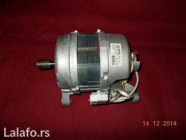 "Nov elektromotor ""sole""  made in italy  480-14000 rpm. Ne znam za koju - Lazarevac"