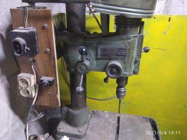 Сверлильный станок производства СССР в рабочем состоянии подключения