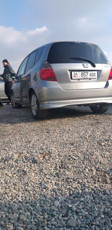 шины зимние бу r16 в Кыргызстан: Honda Fit 1.5 л. 2003 | 230000 км