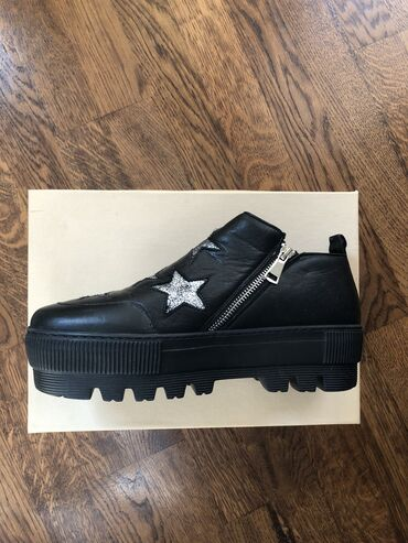 Zenske cipele Antonella Rossi (Shoestar)Nove, nenošene, bez ikakvih