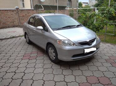 Honda Fit Aria 1.5 л. 2003