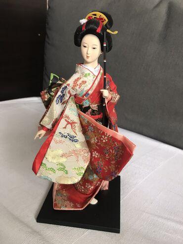 Lutka Japanka  Lutka na postolju, nije igračka. visina 30 cm
