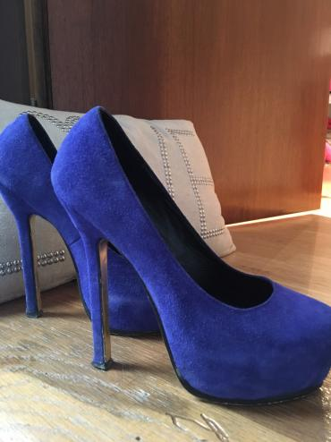Svetlo-plave-broj - Srbija: Plave YSL cipele,35 broj,jako ocuvane