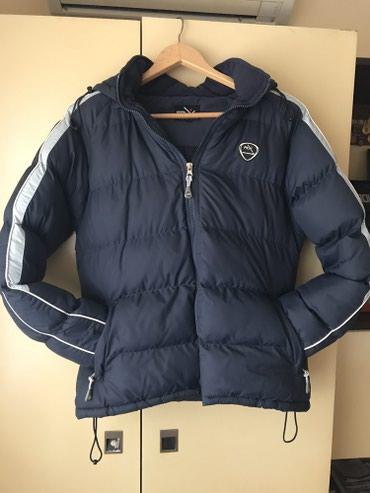 Zimska jakna sa kapuljacom M vel kupljena u nike prodavnici odlicna - Jagodina