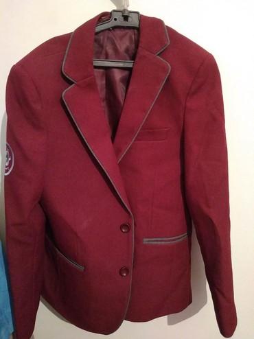Пиджак школьный - Кыргызстан: Продаю бордовый школьный пиджак галстуки ассортимент большой размеры