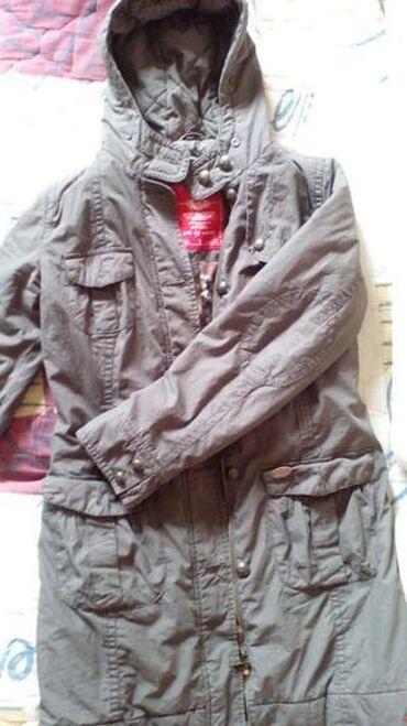 ESPRIT jakna M. Očuvana totalno. Tamno maslinasta boja