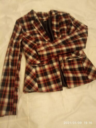 Пиджак в клетку стандарт не носили,размер 44 цена 150 сом