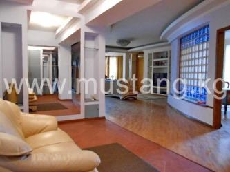 продам 1 ком квартиру в Кыргызстан: Продается квартира: 4 комнаты, 200 кв. м