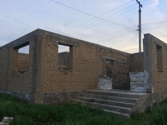 Продается недостроенный дом под в Бишкек