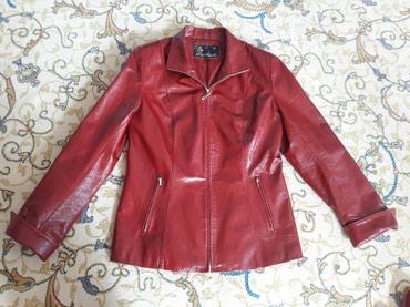 Женская кожанная куртка. красная в Бишкек