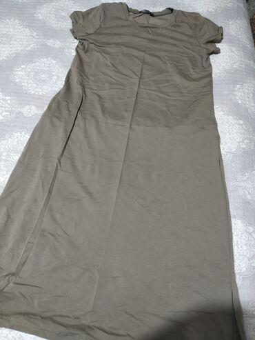 Футболка платье очень удобная длина закрывает колени с карманами у