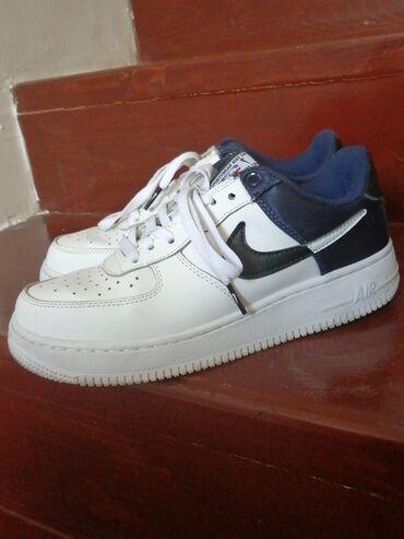 Женская обувь в Бишкек: Продаются Nike 39й размер,покупали в Турции, состояние очень хорошее