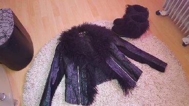 Jakna sa prirodnim krznom - Srbija: Prirodno krzno jakna. Krzno je kovrdzavo i mekano. jakna je nosena ali