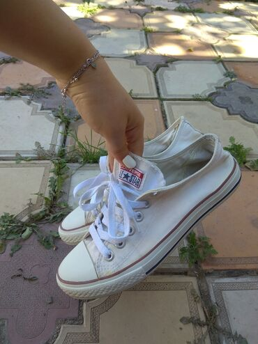 Женская обувь 38 размер 200 сом