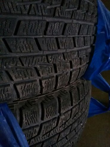 Продаю зимние шины бриджстоун близзак лепучка  225/55/17. Состояние от в Бишкек