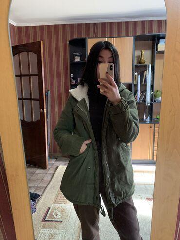 Зимняя курточка хаки цвета. Тёплая и стильная, но при этом очень легка