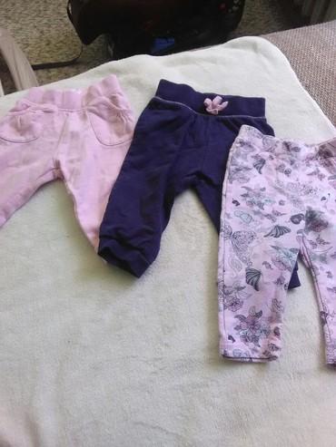 Dečija odeća i obuća   Ruma: Pantalonice za bebe,roze i teget c&a vel.68 I roze crossing