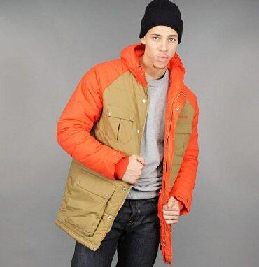 Мужские куртки в Кыргызстан: ADIDAS ORIGINALS размер L. Куртка новая, одевали 1-2 раза. В жизни ц