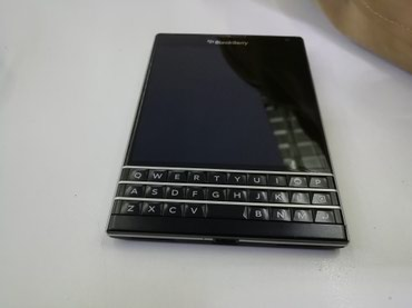Срочно продаю BlackBerry Passport Black. Телефон в Бишкек