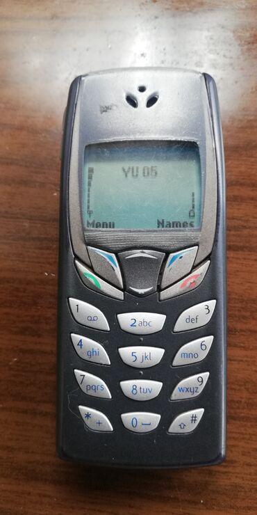 Haljina-plus-drugi-artikl-za-posto-ji - Srbija: Nokia 6510 sa svojim punjačem. POGODAN ZA STARIJE OSOBE