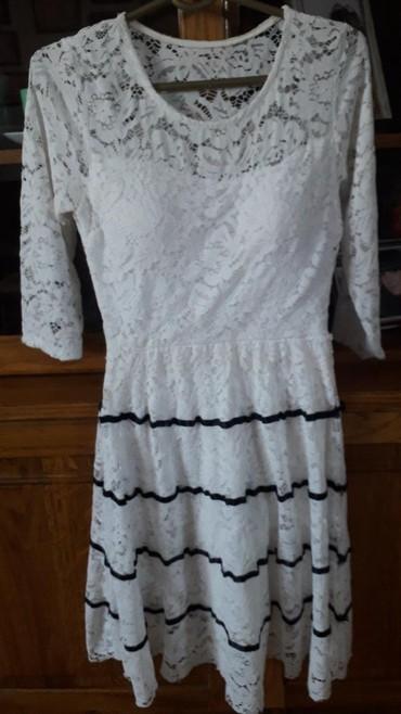 Haljine   Loznica: Bela cipkana haljina. s/m prelepa.jednom obucena. mere. ramena 38