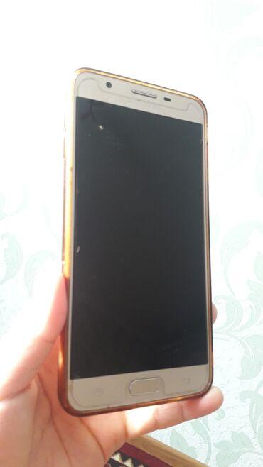 зарядное устройство для телефона samsung в Кыргызстан: Б/у Samsung Galaxy J7 2016 16 ГБ Золотой