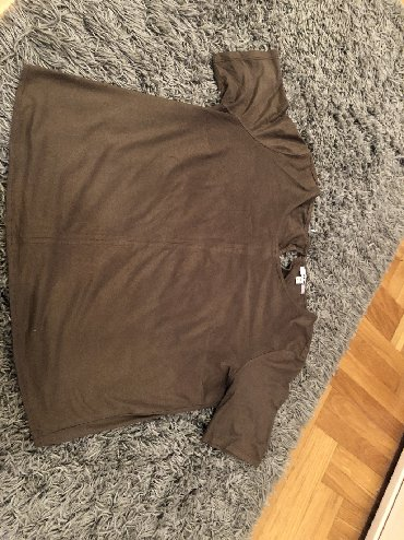 Majica zelena - Srbija: Zelena majica od antilopa iz Kotona. Velicina L. Bez ostecenja