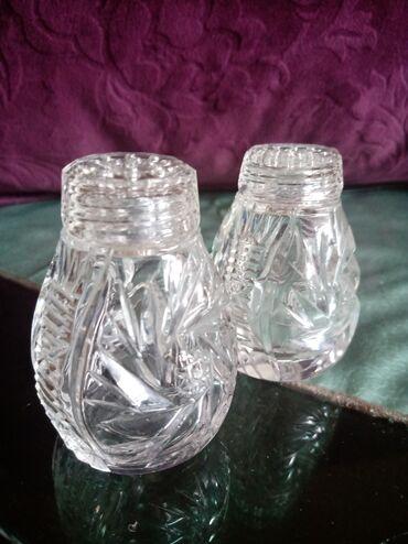 Kuhinjski setovi - Kraljevo: Kristalne posude nove za so i biber. visina 6cm