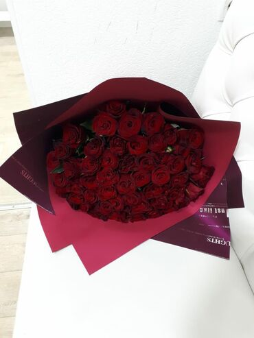 sven 51 в Кыргызстан: 51 роза