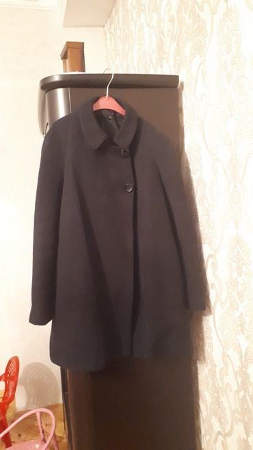 Bakı şəhərində Satilir Zara markasinin Xl olculu qara paltosu.Palto demek olar teze