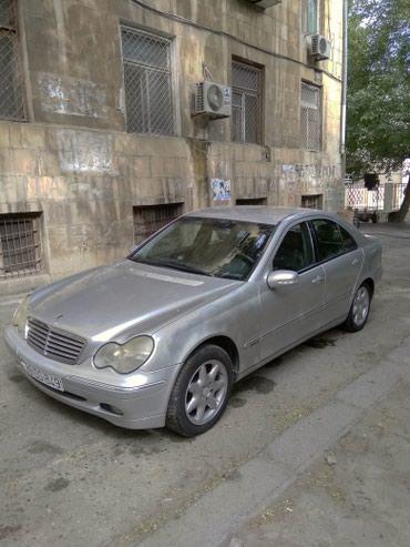 Bakı şəhərində Mercedes C 220