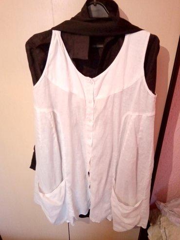 Bela haljina od lana perta se i prilagodljiva pozadi nova firmirana